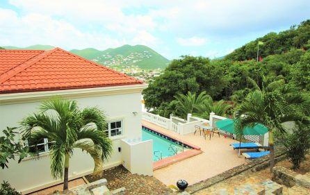 cayhill large family villa for long term rent Main
