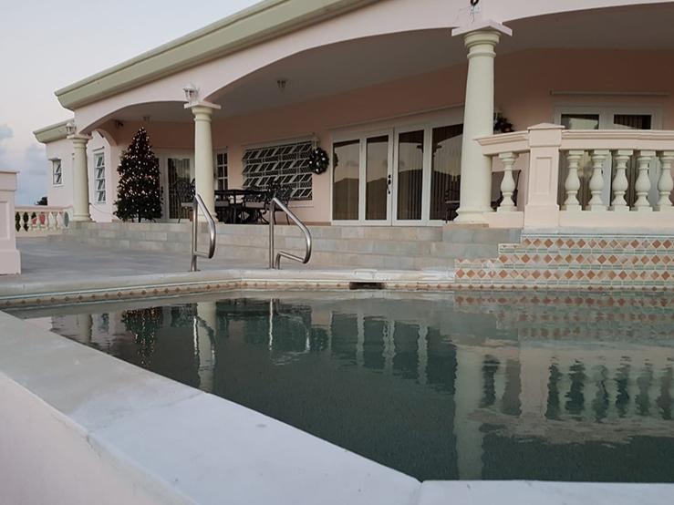 Flamingo Heights Villa – Rice Hill Gardens