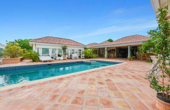 Terres Basses Villa For Sale