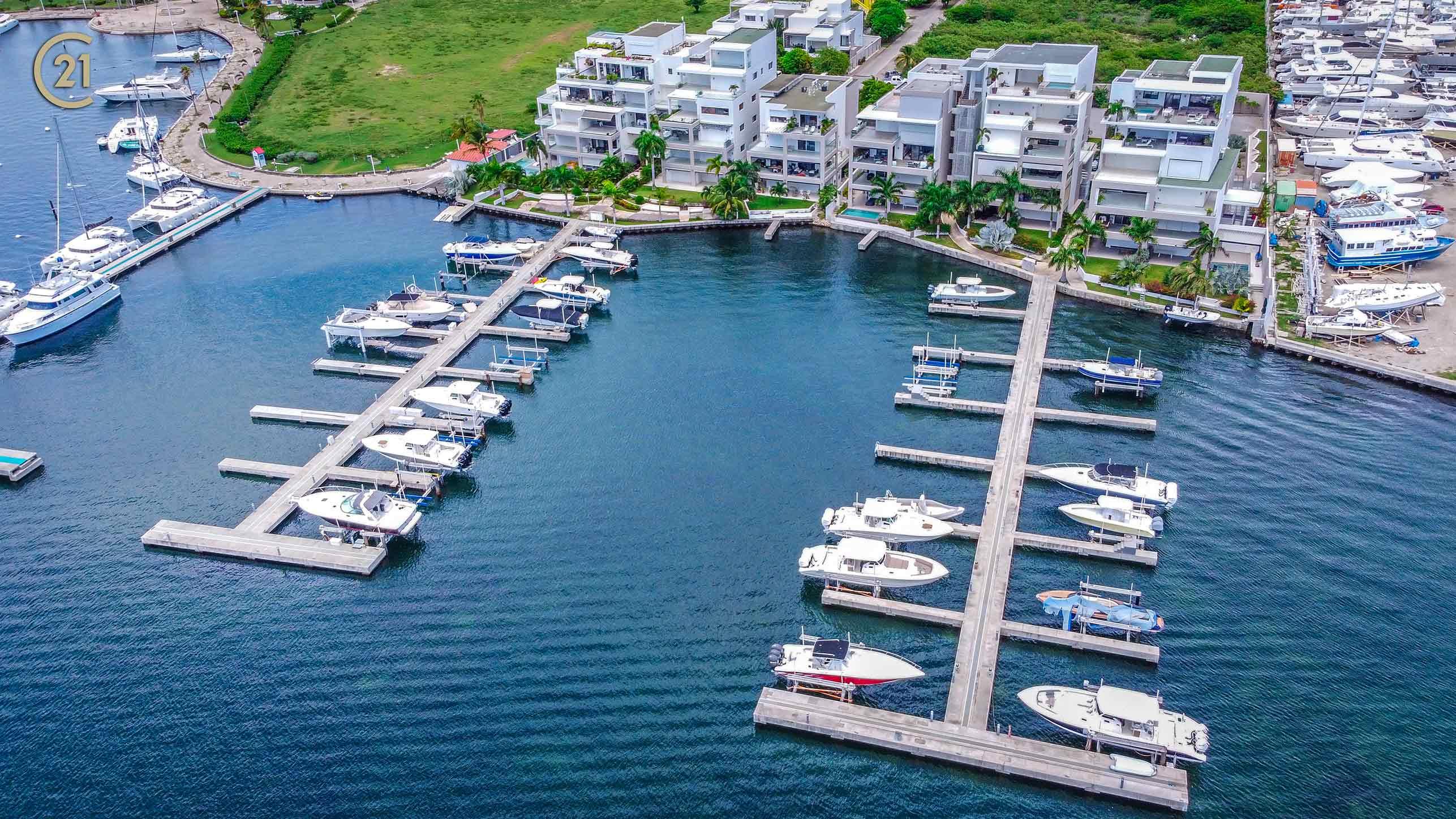 Las Brisas St Maarten Marina