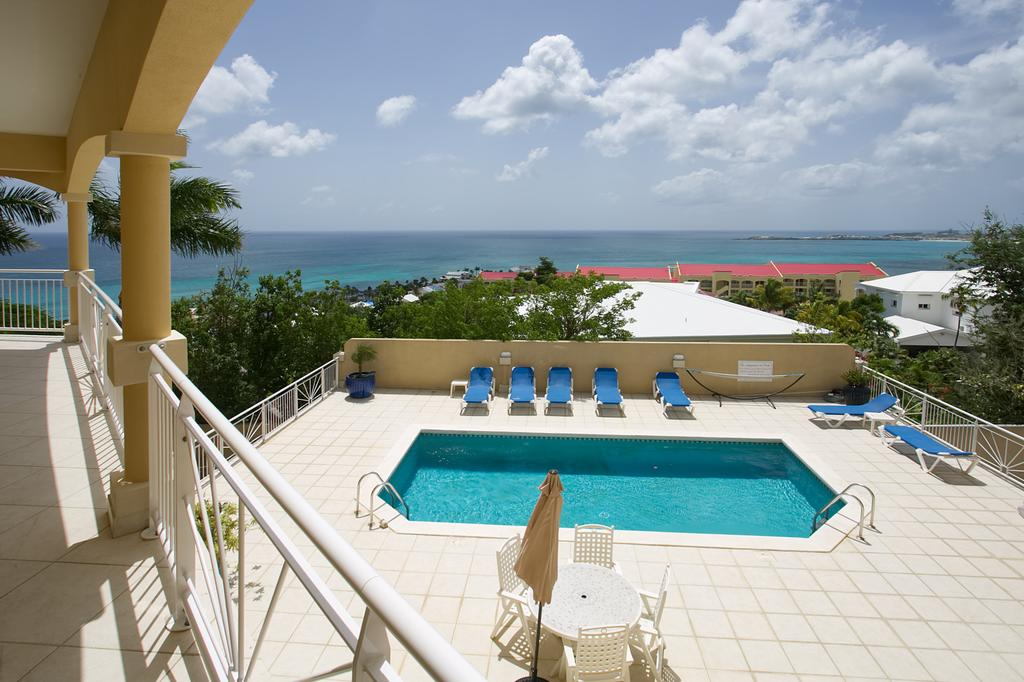 Modern Pelican Key Two Bedroom Apartment For Rent