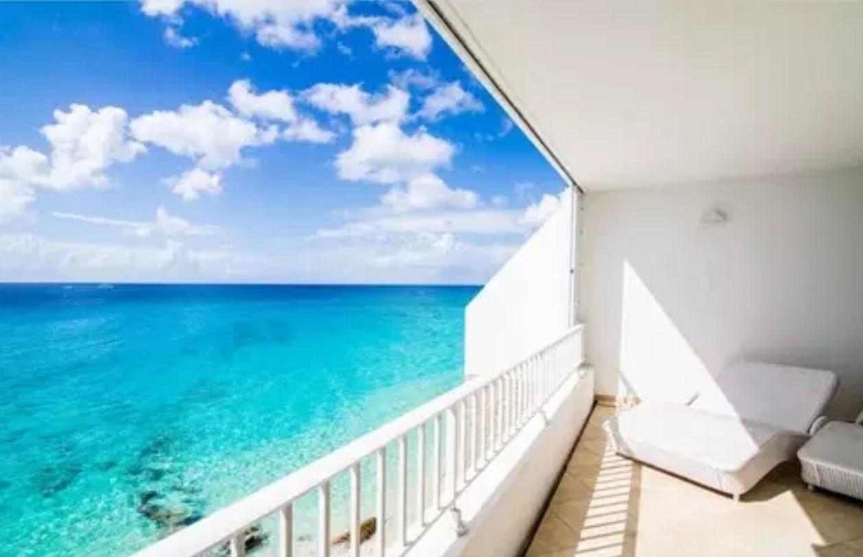 Cupecoy Beach Villa For Sale