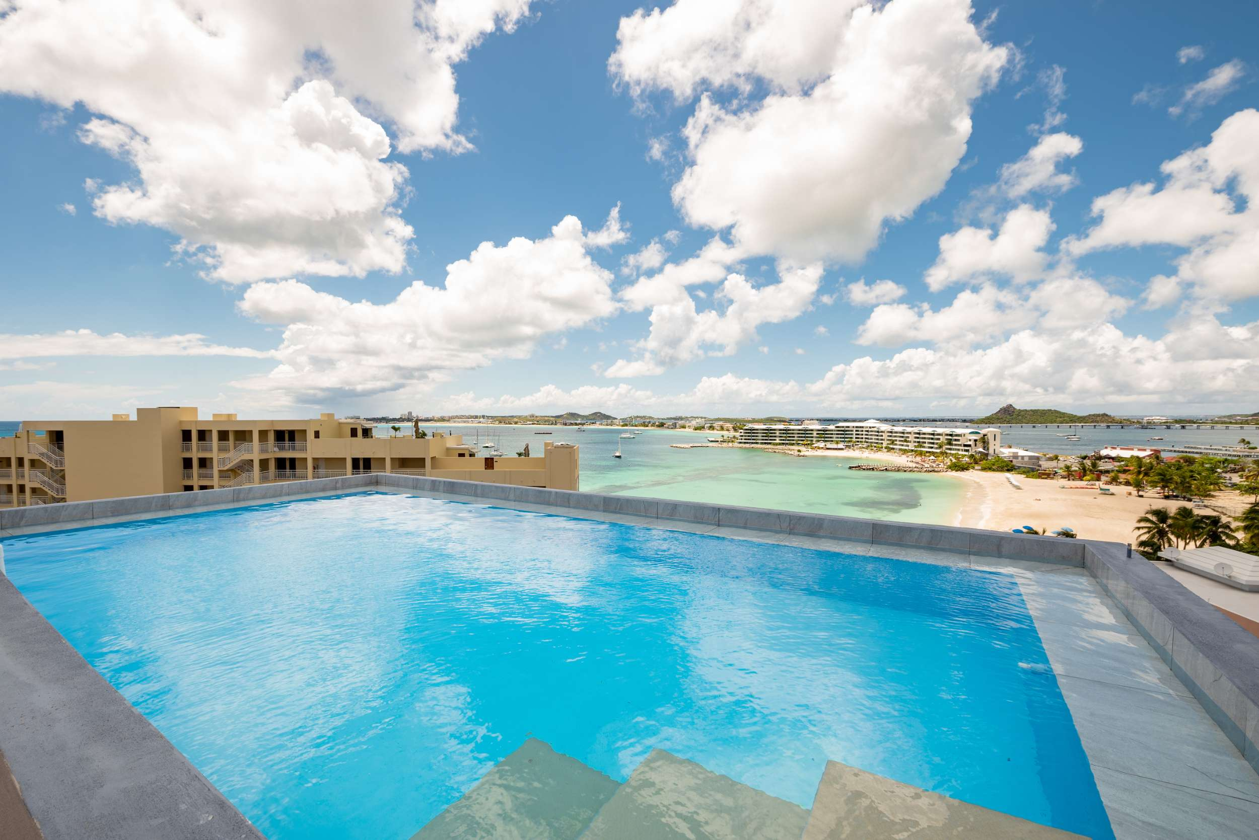 Pelican Key Four Bedroom Luxury Duplex Condos For Sale