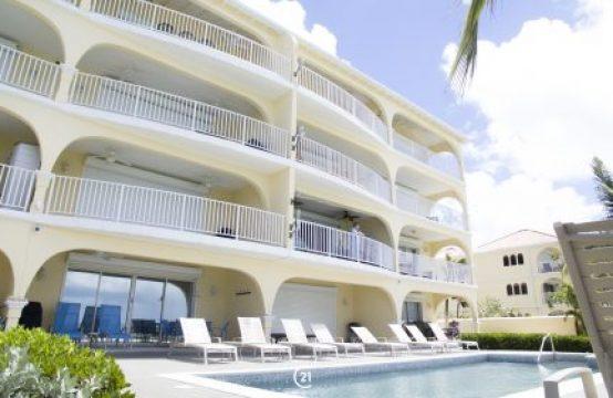 Simpson Bay Beachfront Penthouse - La Siesta