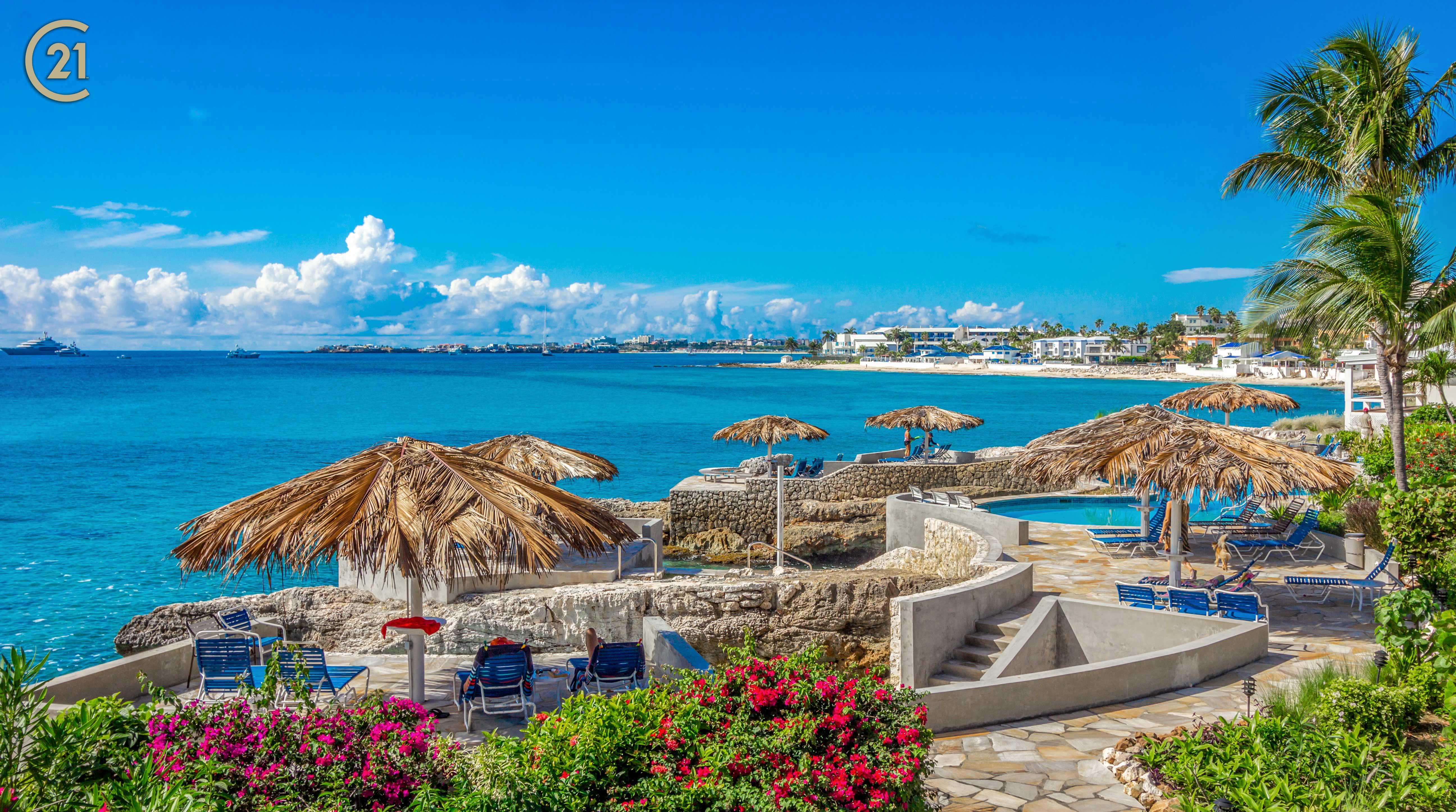 Pelican Key Coral Shore Villa for Sale