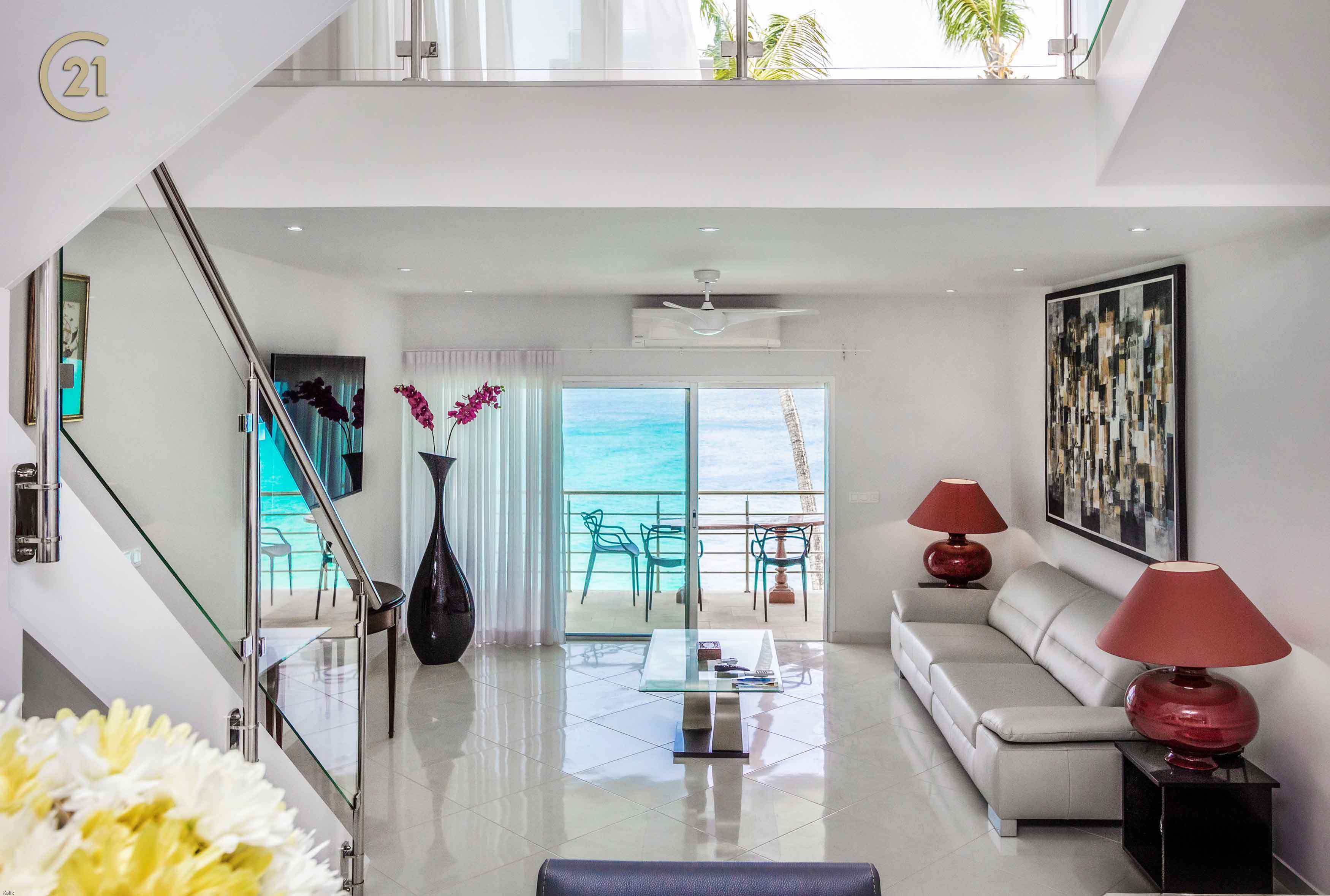 The Best Beachfront Modern 3 Bedroom Condo – Cupecoy Beach Club