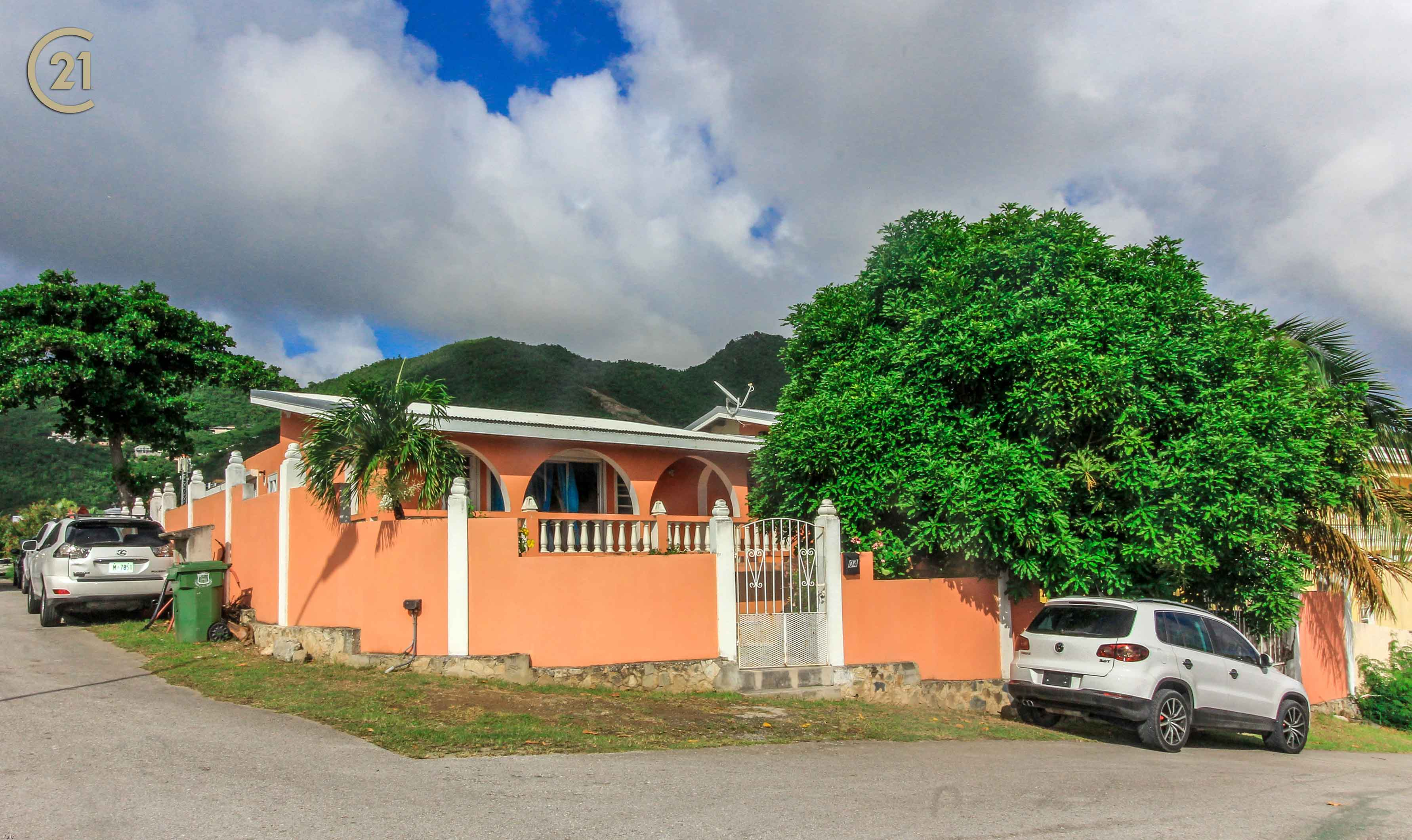 Cole Bay Home – A Three Bedroom Detached Villa