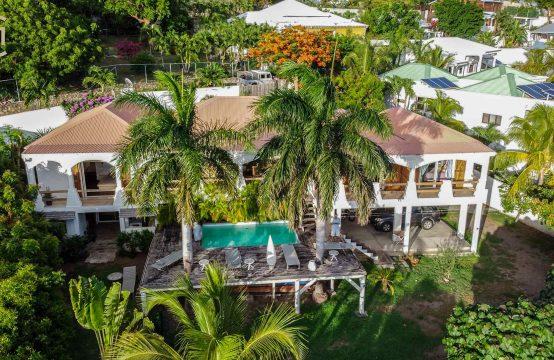 Villa Lush Almond Grove Villa in Cole Bay