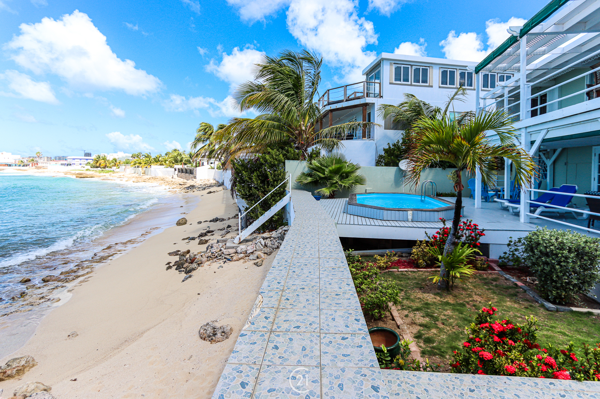 Bob's Paradise Villa 6 Bedroom Beachfront Investment Property