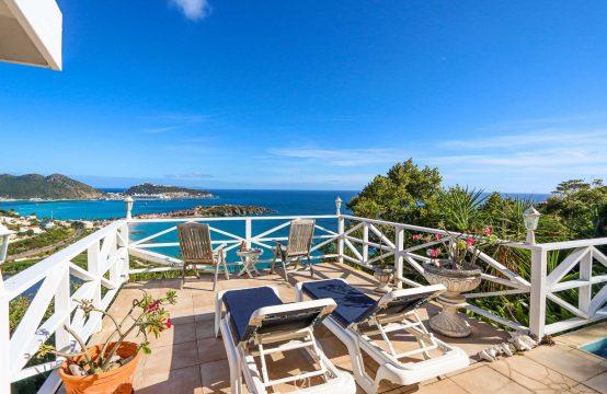 Cay Hill Beethoven Three Bedroom Ocean View Villa