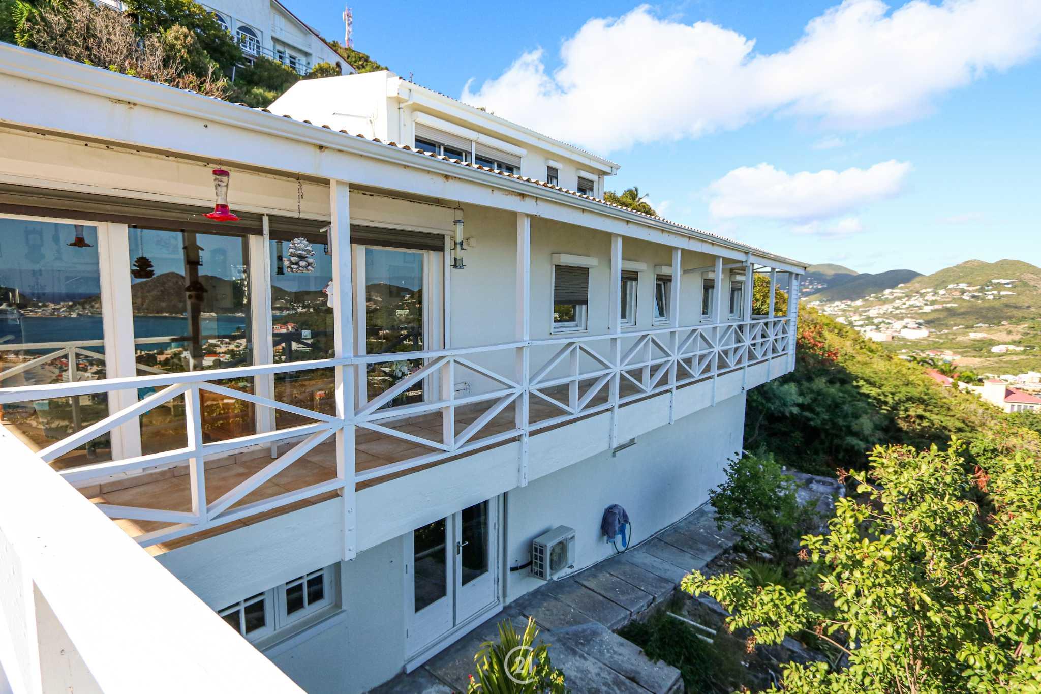 DEAL Beethoven Three Bedroom Ocean View Villa