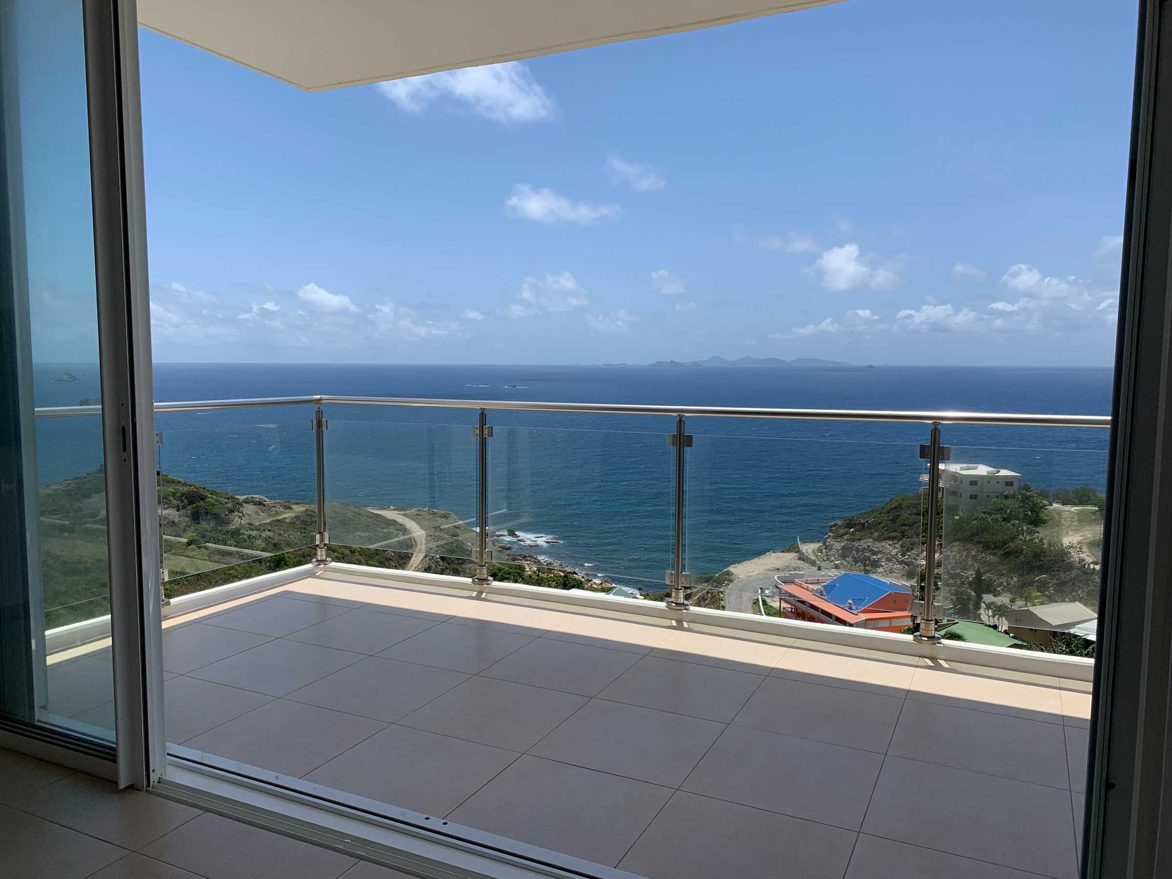 Point Blanche New Modern Three Bedroom Apartments For Rent